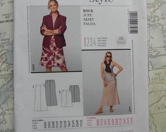Burda Sewing Pattern #7561, Skirt, Sizes 10 thru 28 Uncut