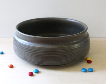 Sherwood. Denby English 1970s stoneware vegetable bowl.