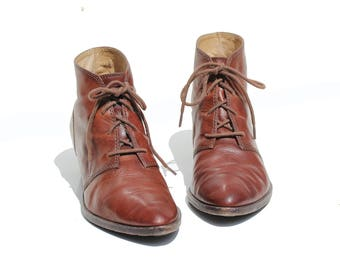 Vintage Women's Ruby Dusk Brown Leather Ankle Boots / size 9