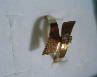 COVENTRY STARLIGHT Bypass Ring From the 1980 Catalog Size 7 Glass Stone