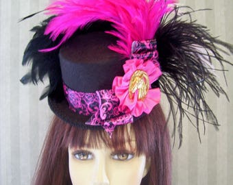 """Kentucky Derby Mini Top Hat, Kentucky Derby Fascinator, """"HoRse Shoe"""" Derby Tea party Top hat, PiNk And BLAcK, Preakness Hat, Belmont Stakes"""