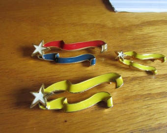 3 stars with ribbons