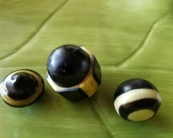 Vintage Buttons - 3 assorted  novelty black and cream  celluloid (feb381 17)