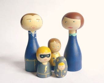 FREE SHIPPING Wood Peg Family of 5 Portrait Dolls children, pet Personalized Wooden hand painted father mother dog cat