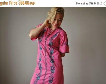 25% OFF SALE 1950s Raspberry Embroidered Dress~Size Extra Small