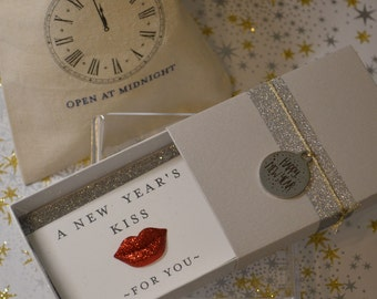 New Year's Eve Kiss Message Box and Gift Bag