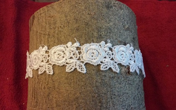 Venice Lace Roses Dainty Wedding Bridal Garter Bride's Garter Belt Soft and Comfortable