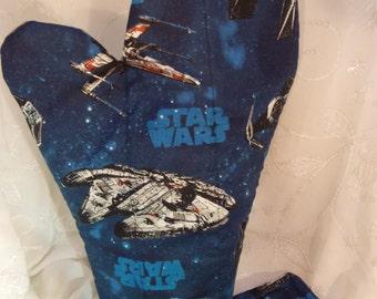 Star Wars Oven Mitts, Blue Star Wars Kitchen, Geek Party, Star Wars Kitchenware, Geeky Tableware