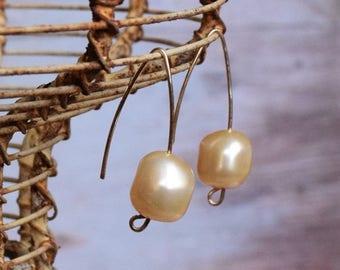 Swarovski pearl gold earrings Simple design Light peach Minimalist Arch Earrings, modern women jewelry, Gift under 30 for her