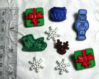 LOT of 9 Buttons Christmas Gift Crafts Jewelry Lapel Pin Doll Clothes