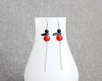Boucle d'oreilles, bijoux fantaisie, cadeau pour elle, rouge, inutchuk, art à porter, inuit, funky, chaine inox, boucles doreilles inox