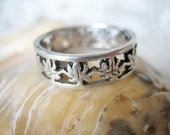 Vintage grape leaf ring, Vintage silver botanical ring, Vintage French silver grape vine leaf ring, vintage French silver ring