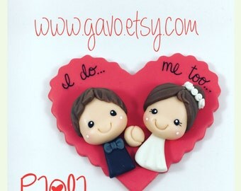 Wedding Favors   Bride and Groom cold porcelain magnet