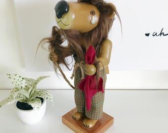 Limited Edition Holzkunat Christian Ulbricht Signed Cowardly Lion Nutcracker, Wizard of Oz