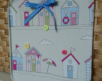 Beach huts Memo magnet board with 3 x button magnets