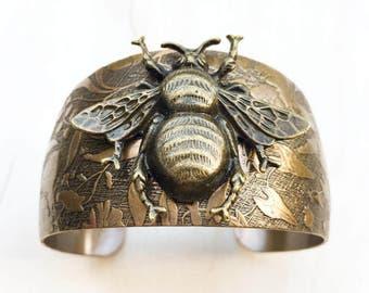 Bee Bracelet, Bronze Bee Cuff Bracelet, Gold Honeybee, Bee Bracelet, Bumblebee, Bohemian Bracelet, Gift for Her, Bee Jewelry, Rustic Cuff