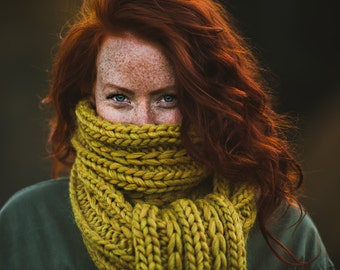KNITTING PATTERN // Entwine Scarf // super bulky slipped stitch rib scarf  -- PDF
