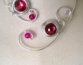 Red, Raspberry jewelry, Open collar necklace, Alu wire necklace, Metal wire necklace, Statement necklace, design jewelry,  wire jewelry