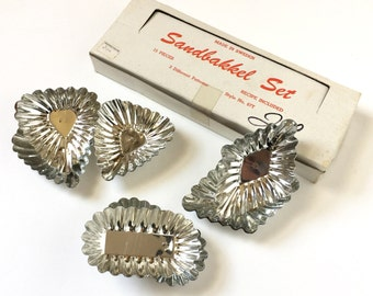Vintage Swedish Sandbakkel Tartlet Tin Molds VGC / 3 Different Shapes Set of 15 / For Mini Quiches, Hors D'oeuvres, Appetizers, Desserts