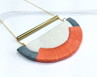 CRAVEN - Linen, Thread and Gold Necklace - Coral and Steel