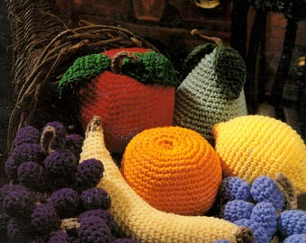 Cornucopia of Fruit to Crochet Grapes Lemon Apple Pear Orange Banana Craft Pattern Leaflet Leisure Arts 2337