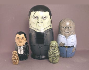 Nesting Dolls Monster Horror Classic Movie Small Set of 5 Frankenstein Dracula The Creature Mummy Wolfman