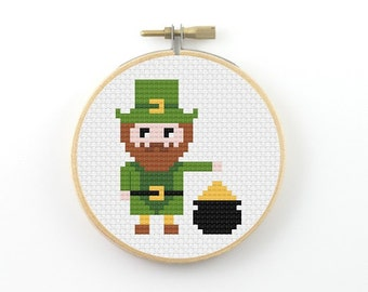 Leprechaun cross stitch pattern, leprechaun pdf pattern, Irish cross stitch, pixel people cross stitch, saint patrick's day cross stitch