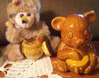 Sale-Vintage Bear & Honey Pot Honey Pot