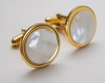 Mother Of Pearl cufflinks.  Cuff Links. Round cufflinks. Gifts For Men. Groom Cufflinks. Gold cufflinks. Wedding cufflinks. Men's birthday