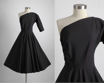 vvvRESERVEDvvv 1950s one-shoulder black faille dress * 1950s vintage dress 5S940