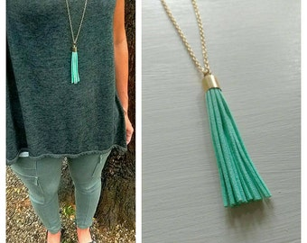Tassel necklace. Long necklace. Gold. Mint green. Turquoise. Green. Layering necklace. Tassel jewelry. Boho chic. Bohemian.