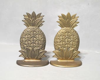 Vintage Brass Pineapple Bookends / Pair of Decorative Book Ends Hawaii Tropical Island Southern Home Exotic Beach House Room Shelf Decor