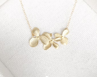Triple Orchid Necklace in Gold - Dainty Flower Charm - Perfect Gift, wedding jewelry, bridesmaid gift, girl gift, minimalist, Bridal Jewelry