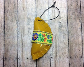 1 Pieróg/Pierogi decorative ornament, Polish Christmas gift - yellow