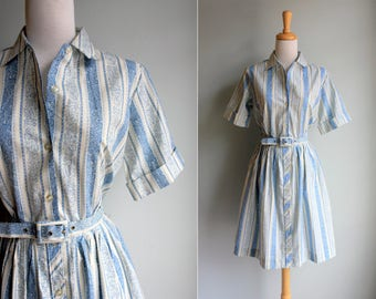SALE Vintage 1950s Pretty Paisley Day Dress- Blue White Short Sleeve Shirtdress Shirt Button Up Gathered Skirt Summer- Size Medium M
