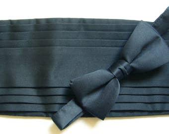 Vintage Cummerbund & Bow Tie Set - Black with Double Sided Pleat Detail - Adjustable