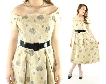 Vintage 50s Suzy Perette Dress Ivory Floral Brocade Short Sleeves Box Pleat Skirt 1950s Medium M Pinup Rockabilly
