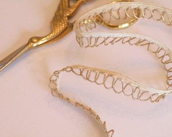 "Gold Loopy Trim 3/8"""