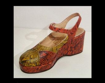 Awesome 1970s snakeskin print leather platform wedge shoes ~ 7.5 ~ 7 1/2 ~ UK5 ~ EU 38 ~ black, coral orange & gold ~ 70s ~ Young Fashion