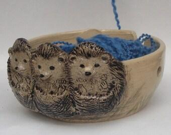 Hedgehogs Stoneware Yarn bowl, Ceramic Yarn Bowl With Three Cute Relief Hedgehogs, Knitting Yarn Bowl