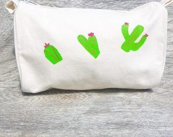 Women's Makeup Bag w Cactus