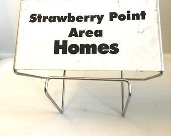 Vintage Strawberry Point Rack
