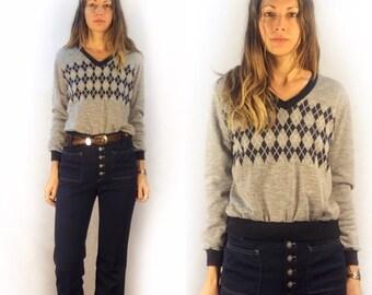 Vintage retro 70s 80s argyle v-neck long sleeve pullover // size large