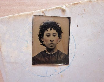 antique GEM tintype photo - miniature tintype photo - woman - gft12