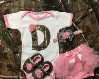 Baby Girl ComingHome Outfit Personalized Pink Camo Real Tree Mossy Oak Homecoming Gift, bodysuit, shoes, hairband, diaper cover