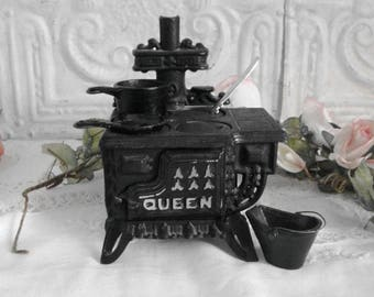 Vintage Cast Iron Toy Stove Queen Toy Stove Salesman Sample Child's Antique Toy Stove Wood Cooking Stove Doll House Miniature