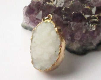 White Crystal Druzy Geode Pendant - Natural Rough Surface Stone - Druzy Jewelry Mineral Necklace Gold Edge - Select  With/ Without Chain
