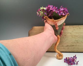 Wall vase/wall pocket vase/indoor plant hanger/pottery vase/vase/handmade vase/flower vase