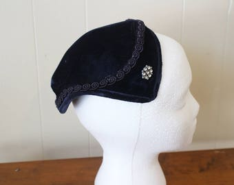Vintage Hat Juliet Cap 1960s Headpiece Navy Blue Velvet Renaissance Costume Women's