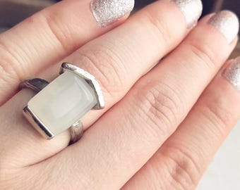 Vintage White Moonglow Silver House Ring Size 6 Home Mid Century Mod